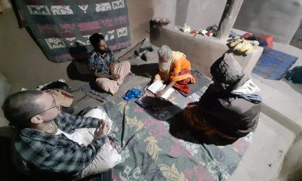 Hearing Shiva Purana from Dayalu Baba