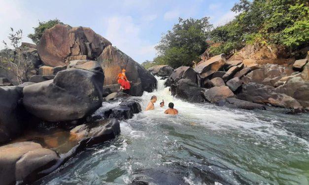 Bathing in the Sacred Waters of Salandi River with Dayalu Baba